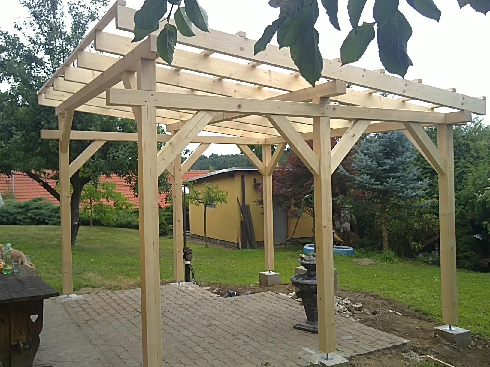 Pergola 5 x 5 m sklon 6 zahradn domky bel an for Pergolas de madera bricor